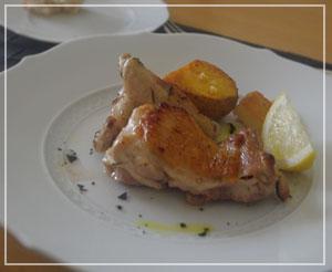 おもてなしに良さそうな、ローズマリーの香りの鶏ロースト