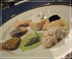 スモーガスボード、最初のお皿は「ニシン皿」
