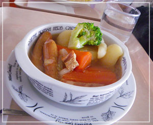 ポトフのお昼御飯。温かで具沢山でした♪