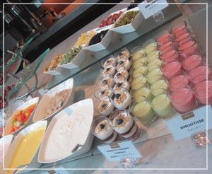 コンラッド東京の朝御飯。美しいブッフェ台……♪