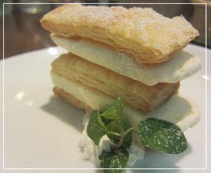 稲毛「Trattoria Vino」にて、デザートは自家製ミルフィーユ。