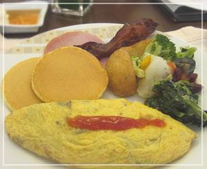 帝国ホテルの朝食ブッフェ。色々ワザが光っております。