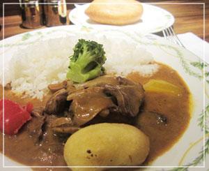 COREDO室町「ろしあ亭」にて、オススメ料理の牛タンクリーム煮。うまー♪