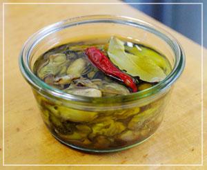 初挑戦の「牡蛎のオイル漬け」。美味しくおなりー♪