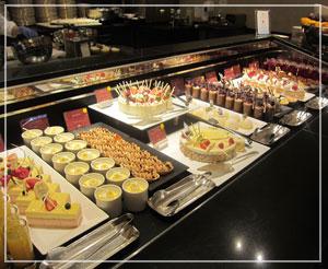 ウェスティンホテル東京のXmasブッフェ。デザートコーナーは本当に壮観♪