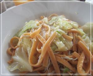 富里「Cucina Tokionese Cozima」にて、野菜たっぷりしらすのタリアテッレ