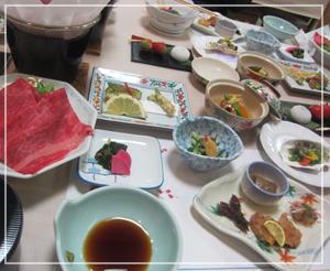 温泉宿の夕御飯。昔はこういうの苦手だったのだけど、今は大好き。