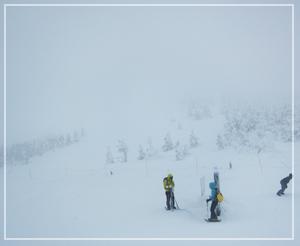 地蔵山頂。樹氷……ありませんねぇ……。