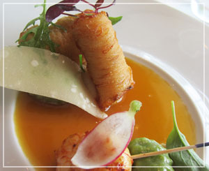 パレスホテル「CROWN」にてお魚料理。ポテト好きとしてはこれを選択。