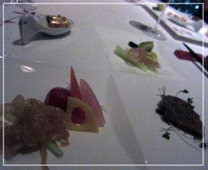 マンダリンオリエンタル東京「SENSE」、モダンな前菜。