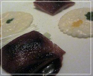 マンダリンオリエンタル東京「SENSE」にて、丸くないけど、仔豚の丸焼き。