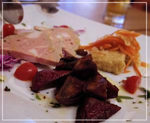 船橋「PIZZERIA 347」にて、前菜盛り合わせはこんな感じで。