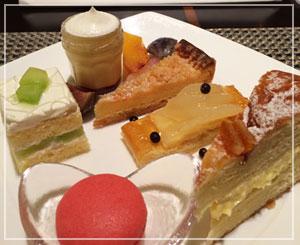 ヒルトン東京デザートブッフェにて、いざケーキ♪