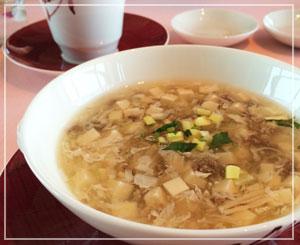 マンダリンオリエンタルホテル東京「SENSE」にて、牛挽き肉と豆腐のスープ♪