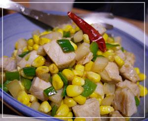 とうもろこしと塩豚の醤油炒め。夏の味!