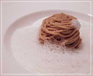 銀座「LES ROSIERS EGUZKILORE」にて、デザートは「大人の」モンブラン。