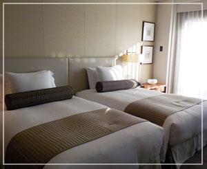 パレスホテル東京、クラブデラックスツインバルコニーのお部屋はこんな感じ。