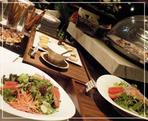 パレスホテル東京、クラブラウンジのカクテルタイム♪