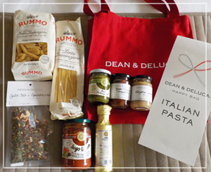 「DEAN&DELUCA」のHAPPY BAG ITALIAN PASTA、5400円。