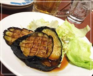 津田沼「中国麺家」にて、揚げ茄子をおつまみにビール♪