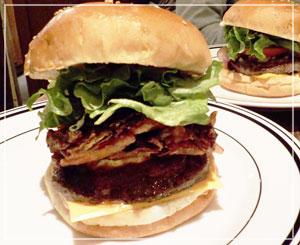 横浜ルミネ「ヴィレッジヴァンガード ダイナー」にて。相変わらずのボリュームです。