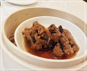 横浜ベイシェラトン「香港的ナイト飲茶バイキング」、スペアリブの豆鼓蒸しも外せないよね