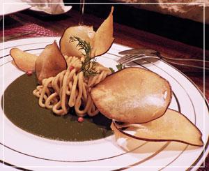 津田沼「ラシェットM」にて、あん肝モンブラン。これもまた不思議な風景のお皿。