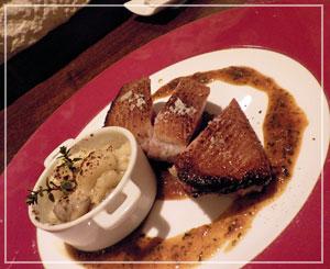 津田沼「ラシェットM」にて、母待望の鴨料理。でかっ!