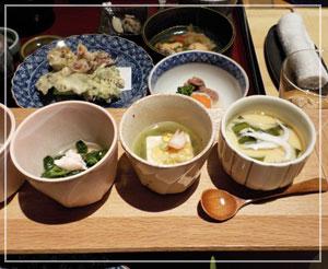 ウェスティンホテル東京内「舞」にて。白魚たっぷりの茶碗蒸しが美味♪