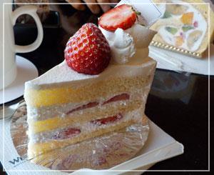 ウェスティンホテル東京、お部屋でおやつタイム。