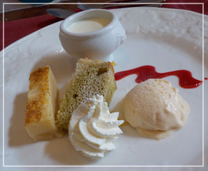 津田沼「chez Como」にて。デザート盛り合わせも豪華です。