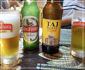 船橋「ガンディ」で、インドビール飲み飲み。