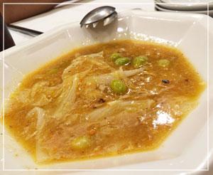 これがとっても美味しかった、「白菜と銀杏と上海蟹の煮込み」。