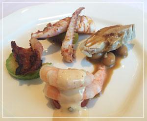 「銀座アスター津田沼賓館」にて、前菜盛り合わせ。4種類も来て、ちょっと嬉しい。