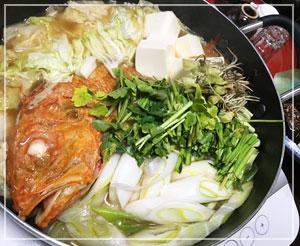 「きんきん鍋」。野菜はやっぱり「芹」でしょう。根っこも入れて。