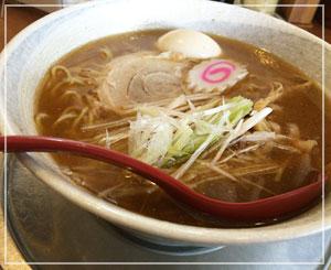 津田沼「栄昇らーめん」にて、あごだしらーめん。さっぱりだけど、濃厚魚介味で美味しい♪