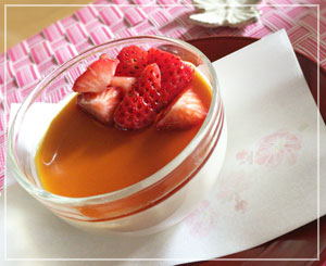 大好きデザート、パンナコッタ。外は極寒だけれどテーブルは先取りの春気分。