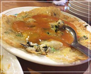 新宿「台南担仔麺」にて。普段注文する余裕がない蚵仔煎も食べられました♪