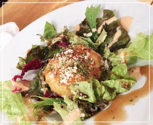 津田沼「鈴家」にて、蟹と味噌のクリームコロッケ。味噌なのよ。味噌だったわ。