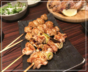 夕飯は焼き鳥とか揚げ鶏とか