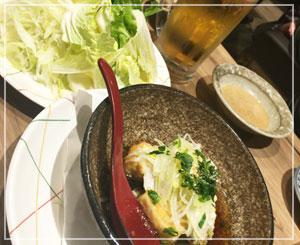 「しゃぶ蕎麦小次郎」にて。店内手作り豆腐がなかなか美味しい。