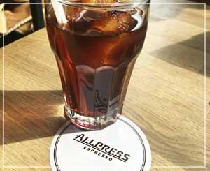 清澄白河「ALLPRESS ESPRESSO」にて。酸味強めのさっぱり水出しコーヒーを。