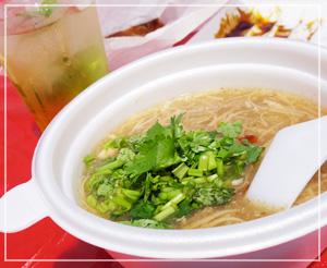 やっぱり美味しい、「台湾麺線」の麺線。バランスの良い味なのです。香菜たっぷり♪