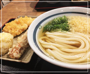幕張イオンモール「竹清」であさごはん。ついつい天ぷらたっぷりめ。