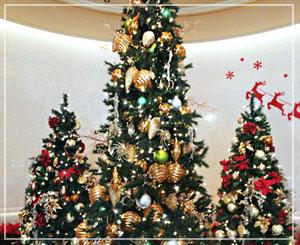 幕張の「ホテル ザ・マンハッタン」のクリスマスツリー。クラシックな感じ。