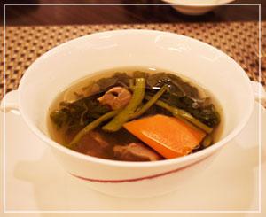なんとも滋味深い味わいだった砂肝入りのスープ。いかにも身体によさそうで。