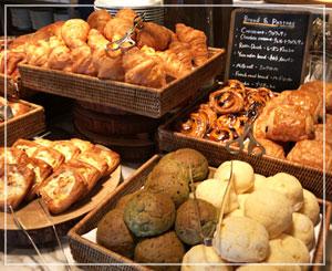 「THE FRENCH KITHCHEN」、朝食ブッフェは充実のペストリー類。