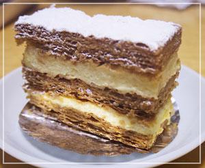 「Patisserie Bigarreaux」のミルフィーユ。シンプルな外見でとっても美味でした。