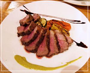 肉が!食べたいよね!ということで、仔羊のグリルも。