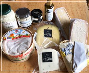 トリュフ祭りウェーイ状態。チーズがkg単位であります……。